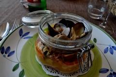 la buatta del pesctore pasta mista con frutti di mare e fagioli
